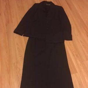 Kasper skirt suit. EUC